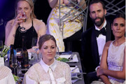 (L-R) Actors Elisabeth Moss, Yvonne Strahovski, Joseph Fiennes and Maria Dolores Dieguez during the 24th Annual Screen Actors Guild Awards at The Shrine Auditorium on January 21, 2018 in Los Angeles, California. 27522_014