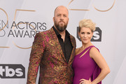 Chris Sullivan (L) and Rachel Reichard attend the 25th Annual Screen ActorsGuild Awards at The Shrine Auditorium on January 27, 2019 in Los Angeles, California. 480645