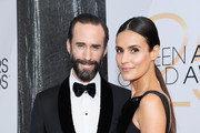 (L-R) Joseph Fiennes and Maria Dolores Dieguez attend the 25th Annual Screen Actors Guild Awards at The Shrine Auditorium on January 27, 2019 in Los Angeles, California.