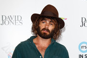 Angus Stone arrives at the 26th Annual ARIA Awards 2012 at the Sydney Entertainment Centre on November 29, 2012 in Sydney, Australia.