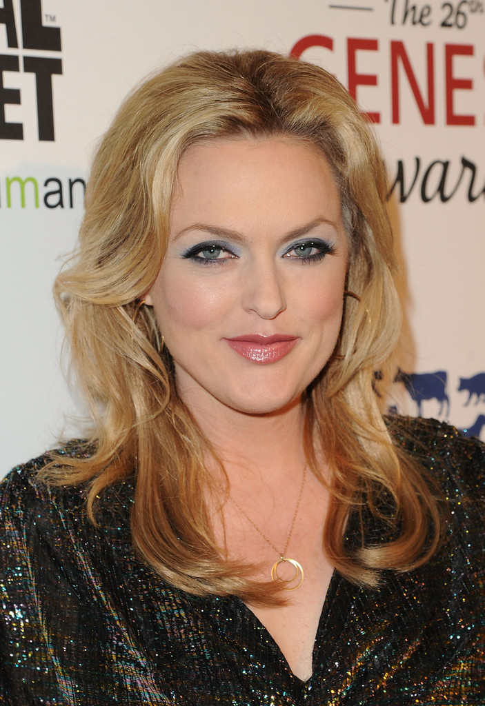elaine hendrix in 26th annual genesis awards