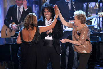 Bette Midler Darlene Love 26th Annual Rock And Roll Hall Of Fame Induction Ceremony - Show