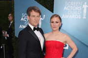 (L-R) Stephen Moyer and Anna Paquin attends 26th Annual Screen Actors Guild Awards at The Shrine Auditorium on January 19, 2020 in Los Angeles, California.