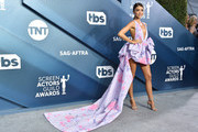 Sarah Hyland attends the 26th Annual Screen Actors Guild Awards at The Shrine Auditorium on January 19, 2020 in Los Angeles, California. 721430