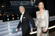 (L-R) Michael Douglas and Catherine Zeta-Jones attend the 26th Annual Screen Actors Guild Awards at The Shrine Auditorium on January 19, 2020 in Los Angeles, California. 721359