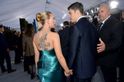 Scarlett Johansson and Colin Jost attend the 26th Annual Screen ActorsGuild Awards at The Shrine Auditorium on January 19, 2020 in Los Angeles, California. 721313