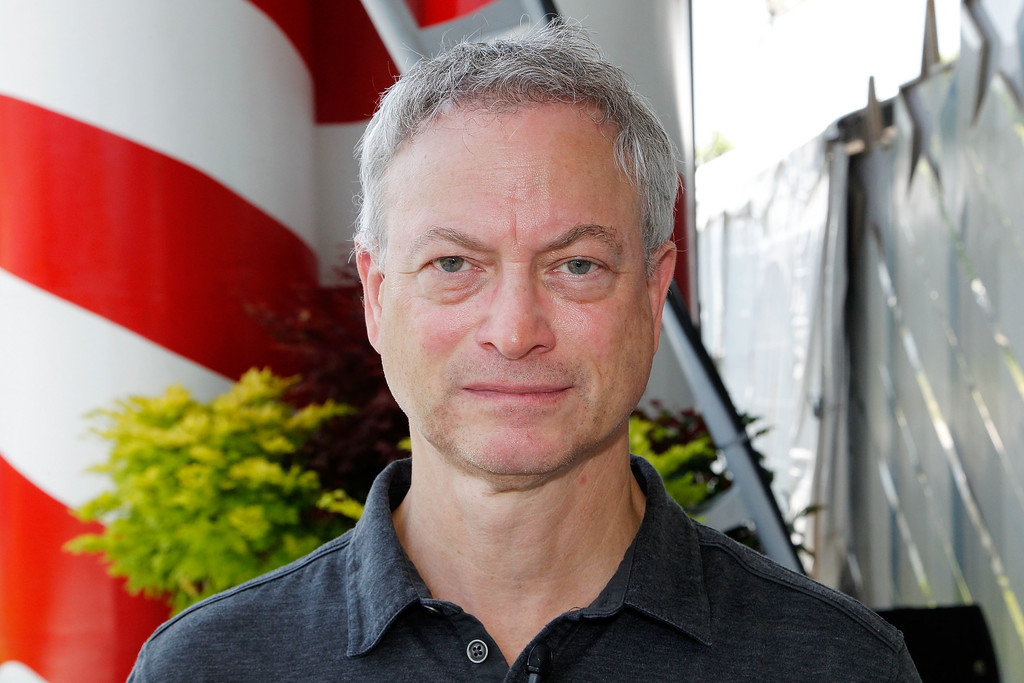 Gary Sinise in 27th National Memorial Day Concert ...
