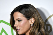 Kate Beckinsale, hair, earring, and fashion details, attends the 31st Annual Producers Guild Awards at Hollywood Palladium on January 18, 2020 in Los Angeles, California.