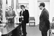 380450 15: President Richard Nixon meets with Elvis Presley December 21, 1970 at the White House.