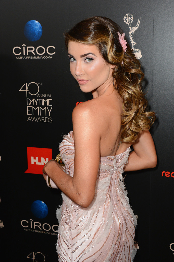 Best Hair & Beauty at the Daytime Emmy Awards - Vote For Your Favorite Here!