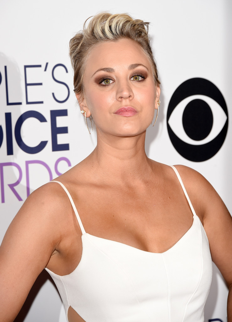 Kaley Cuoco Photos Photos Peoples Choice Awards Press Room Zimbio