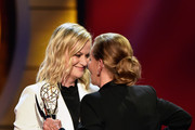Amy Poehler (L) presents the Outstanding Legal/Courtroom Program award to Judge Judy for 'Judge Judy' onstage at the 46th annual Daytime Emmy Awards at Pasadena Civic Center on May 05, 2019 in Pasadena, California.