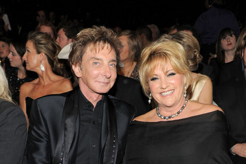 Barry Manilow Lorna Luft The 53rd Annual GRAMMY Awards - Roaming Inside