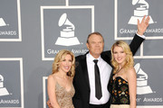 (L-R)  Kim Campbell, Glen Campbell and Ashley Campbell arrive at the 54th Annual GRAMMY Awards held at Staples Center on February 12, 2012 in Los Angeles, California.