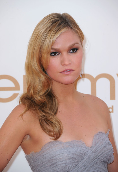 Actress Julia Stiles arrives at the 63rd Annual Primetime Emmy Awards held at Nokia Theatre L.A. LIVE on September 18, 2011 in Los Angeles, California.