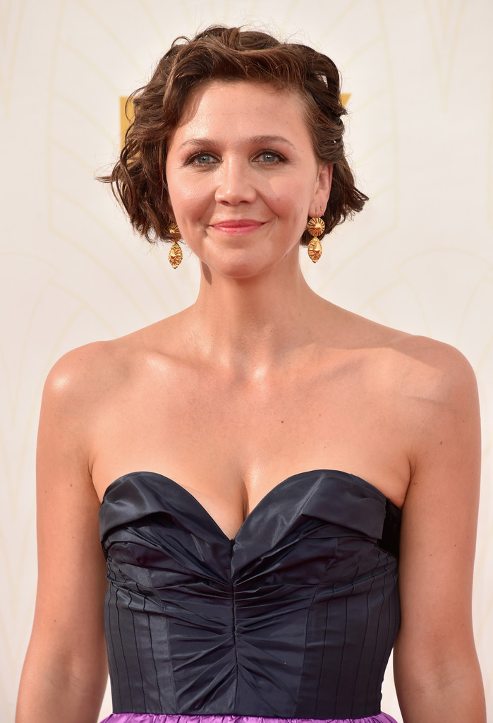 Maggie Gyllenhaal Photos Photos - 67th Annual Emmy Awards ... Maggie Gyllenhaal