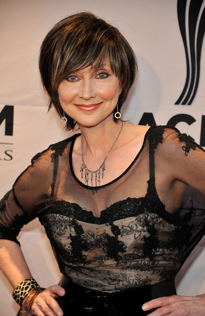 Pam Tillis In 6th Annual Acm Honors Red Carpet Zimbio