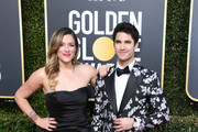 Mia Swier and Darren Criss attend the 76th Annual Golden Globe Awards at The Beverly Hilton Hotel on January 6, 2019 in Beverly Hills, California.