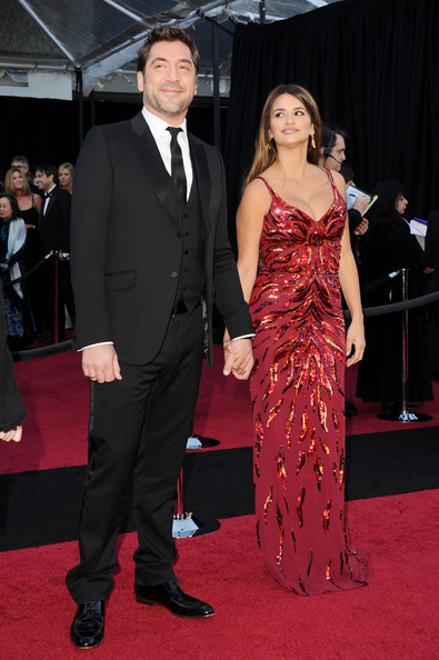 Actors Javier Bardem and Penelope Cruz arrive at the 83rd Annual Academy Awards held at the Kodak Theatre on February 27, 2011 in Hollywood, California.