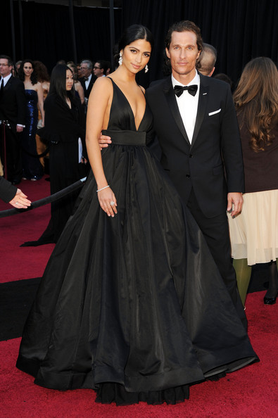 Model Camila Alves and actor Matthew McConaughey arrive at the 83rd Annual Academy Awards held at the Kodak Theatre on February 27, 2011 in Hollywood, California.