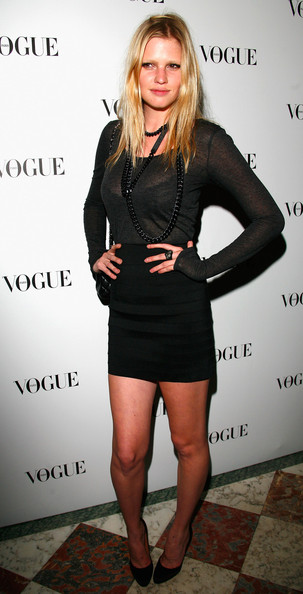 SUPERMODELI - Page 3 90+Years+Vogue+Covers+Champs+Elysees+Hotel+lIF4hTqqkJEl