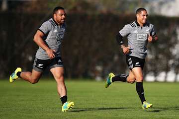 Aaron Smith New Zealand All Blacks Press Conference & Training Session
