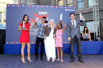Abigail Breslin Jake T. Austin Variety's Power Of Youth Presented By Hasbro And GenerationOn - Flips Audio Arrivals