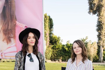 Abigail Spencer Super Deluxe and Sarah Ramos Present a Live Reading of 'City Girl'