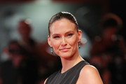"""Bar Refaeli walks the red carpet ahead of the """"Ad Astra"""" screening during during the 76th Venice Film Festival at Sala Grande on August 29, 2019 in Venice, Italy."""