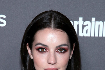 Adelaide Kane Entertainment Weekly Celebrates Screen Actors Guild Award Nominees At Chateau Marmont Sponsored By L'Oréal Paris, Cadillac, And PopSockets - Arrivals