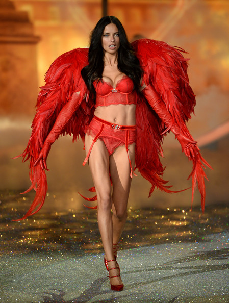 1948c79b3b Adriana Lima Photos Photos - 2013 Victoria s Secret Fashion Show ...