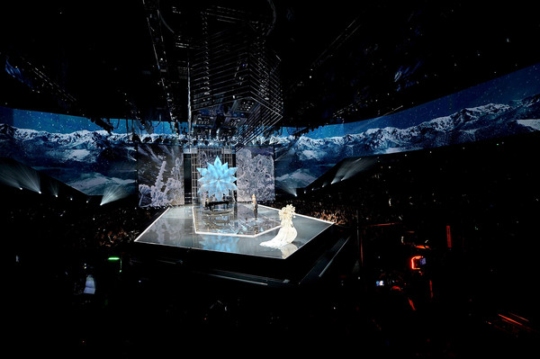 2017 Victoria's Secret Fashion Show in Shanghai - Show [sky,stage,space,performance,space station,night,world,winter,performing arts,ice,models,leslie odom jr.,shanghai,runway,mercedes-benz arena,china,victorias secret,victorias secret fashion show,shanghai - show]