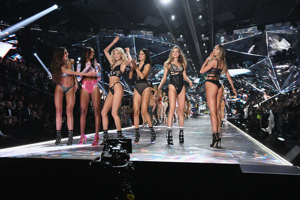 2018 Victoria's Secret Fashion Show - Runway [performance,stage,fashion,event,performing arts,public event,fashion model,fashion show,competition,model,adriana lima,behati prinsloo,elsa hosk,jasmine tookes,candice swanepoel,l-r,runway,pier 94,taylor hill,victorias secret fashion show]