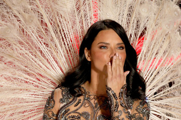 Adriana Lima Swarovski Sparkles In The 2018 Victoria's Secret Fashion Show