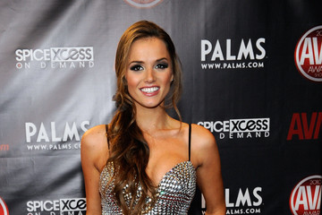 Tori Black Adult Video News Awards At The Palms - Arrivals