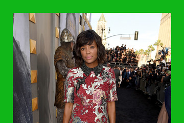 Aisha Tyler Premiere of Warner Bros. Pictures' 'King Arthur: Legend of the Sword' - Red Carpet