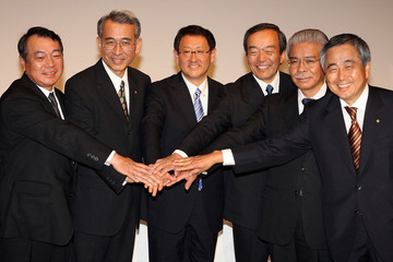 Takeshi Uchiyamada Akio Toyoda Attends The First Press Conference As Toyota President