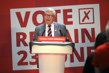 Alan Johnson Jeremy Corbyn Campaigns To Remain In The EU