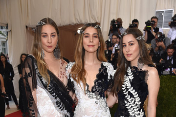 Alana Haim 'Manus x Machina: Fashion In An Age of Technology' Costume Institute Gala - Arrivals