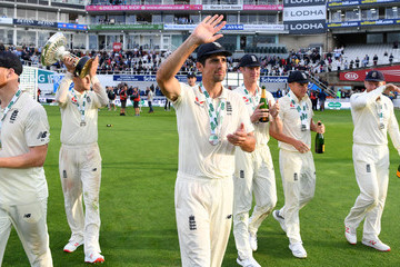 Alastair Cook England v India: Specsavers 5th Test - Day Five