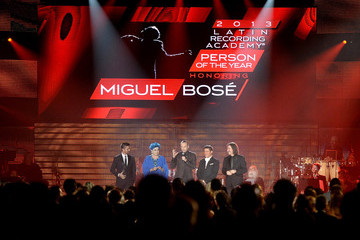 Alejandro Sanz Luis Cobos 2013 Latin Recording Academy Person Of The Year Honoring Miguel Bose - Show