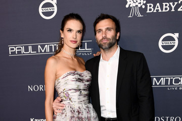 Alessandra Ambrosio Jamie Mazur Paul Mitchell Presents the 2017 Baby2Baby Gala - Red Carpet