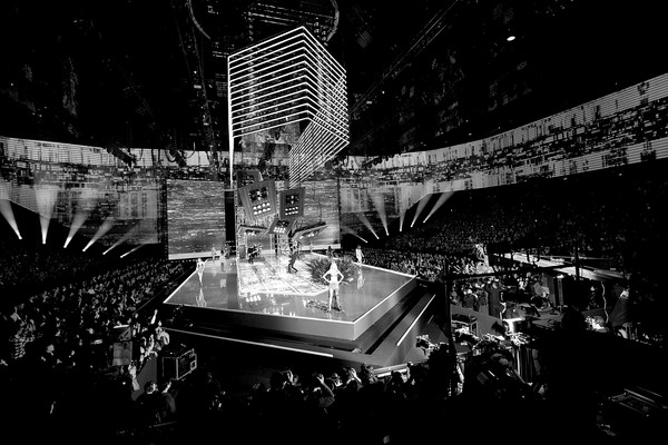 2017 Victoria's Secret Fashion Show in Shanghai - Show [image,black,white,black-and-white,monochrome,monochrome photography,architecture,night,urban area,photography,city,models,harry styles,shanghai,runway,mercedes-benz arena,china,victorias secret,victorias secret fashion show,shanghai - show]
