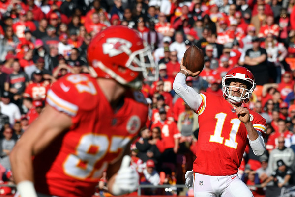 http://www1.pictures.zimbio.com/gi/Alex+Smith+Oakland+Raiders+v+Kansas+City+Chiefs+dWmj742eI2xl.jpg