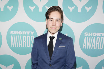 Alex White The 9th Annual Shorty Awards - Teal Carpet Arrivals