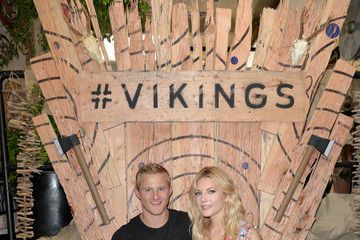Alexander Ludwig Vikings Battle Axe Training At San Diego Comic-Con 2019