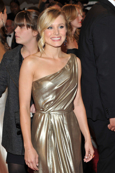"Actress Kristen Bell attends the ""Alexander McQueen: Savage Beauty"" Costume Institute Gala at The Metropolitan Museum of Art on May 2, 2011 in New York City."