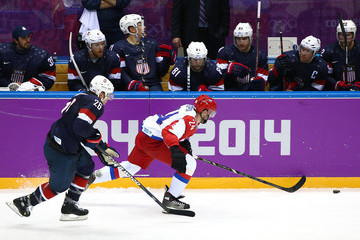 Alexander Popov Ice Hockey - Winter Olympics Day 8