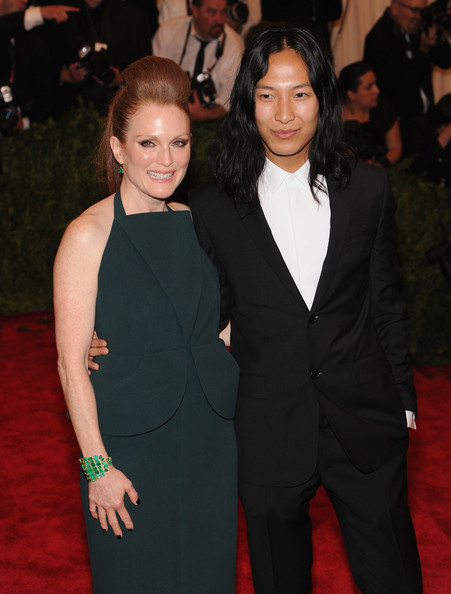 julianne moore dating history Dating family & friends sex  events & history government watch political  julianne moore won an oscar for her poignant and sympathetic portrayal of the.