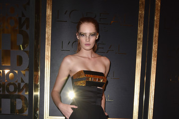 Alexina Graham Gold Obsession Party - L'Oreal Paris : Photocall - Paris Fashion Week Womenswear Spring/Summer 2017